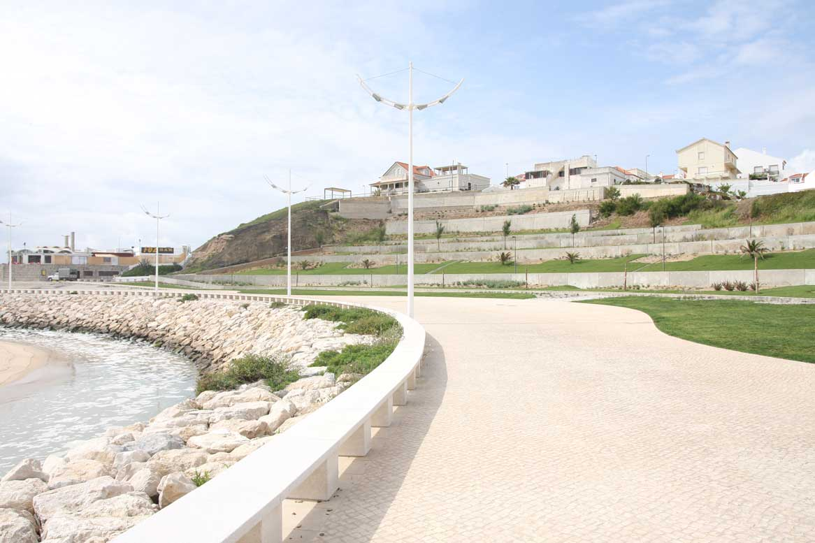 Urban Rehabilitation in Areia Branca beach